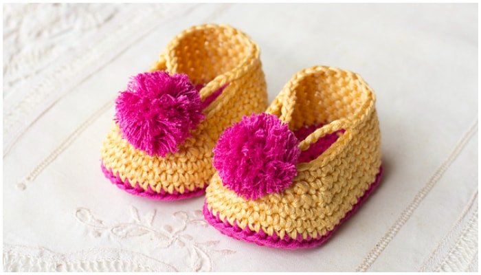 Here are the most adorable Free Crochet Baby Booties you can find. These 25 free crochet baby booties patterns that are quick to whip up and come with stunning designs that will warm every mom's heart.