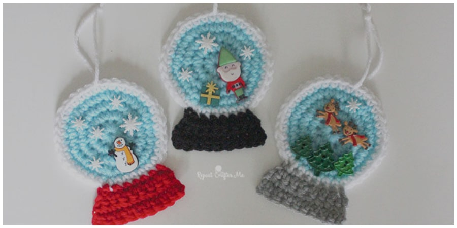 Cute and easy holiday project! Make a crochet snowglobe ornament in minutes! Add festive buttons to decorate the middle of the globes. Enjoy !