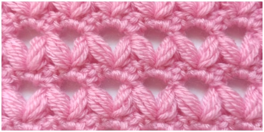 You will love this Crochet Blanket Pattern and we have included a video tutorial for you. Crochet blankets are ideal for a practical yet decorative touch in any family. Enjoy, guys !