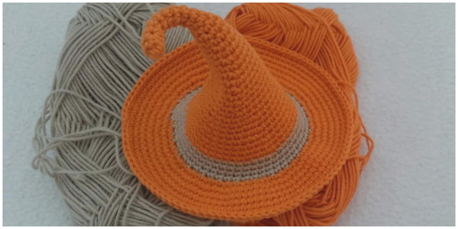 This Halloween whip up an easy witch hat and enchant everybody. Let's make super easy Crochet Witch Hat together. This Video tutorial is absolutely free and super easy to follow. Enjoy, guys !