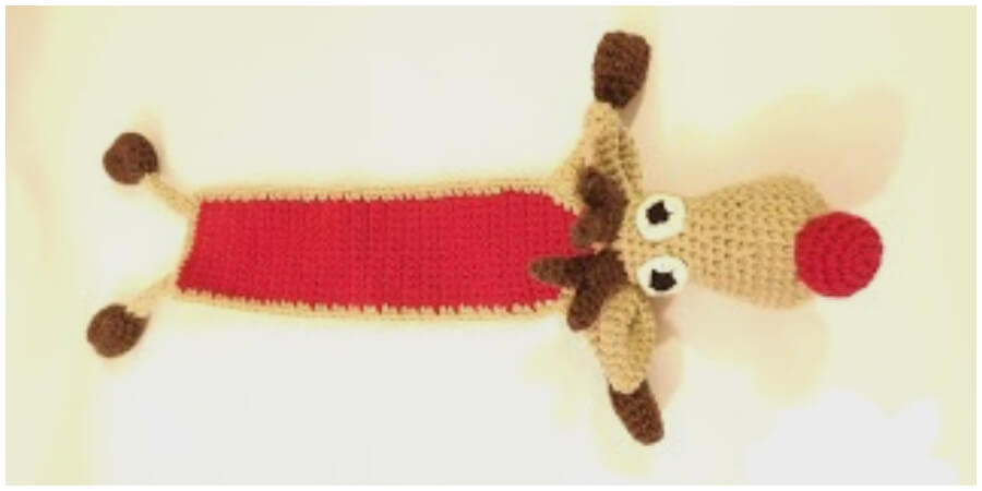 When I saw this pattern I imagine kids would totally adore this amazing Reindeer Bookmark. Reindeer pattern is very simple to make and a great bookmark for any book reader. Happy Christmas !